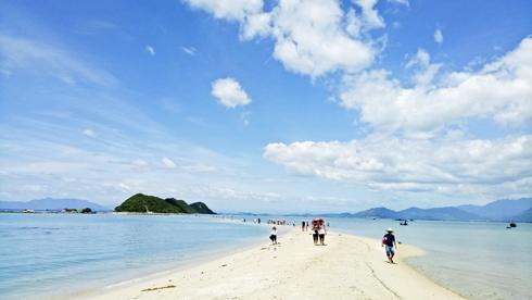 images5306689_B_i_tr__l_i__i_p_S_n Top 6 hòn đảo ở Khánh Hòa khiến bạn tin rằng thiên đường là có thật! Tin Tức  Tin Tức ĐIỆP SƠN Đầm Môn