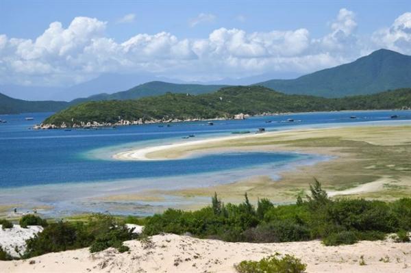 diadiemanuong-com-dam-mon-chuyen-phuot-lam-chao-dao-dan-tinh-chua-toi-1-trieu-dong4e4a7900635866324417888112 Top 6 hòn đảo ở Khánh Hòa khiến bạn tin rằng thiên đường là có thật! Tin Tức  Tin Tức ĐIỆP SƠN Đầm Môn