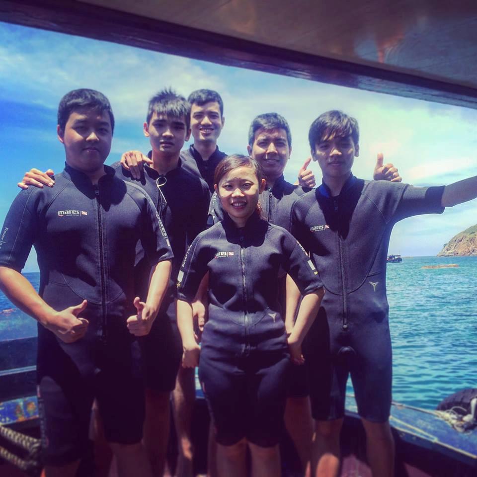 lan-bien-1 Thú Vui Lặn Biển Khám Phá Đại Dương Vịnh Nha Trang Cẩm Nang Chưa được phân loại Đia Danh Du Lịch Tin Tức  Scuba Diving Lặn Biển Hòn Mun