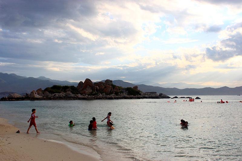 Binh-Ba-6 Đảo Bình Ba - Điểm đến hấp dẫn nhất vùng Duyên Hải Miền Trung Đia Danh Du Lịch  Đảo Bình Ba