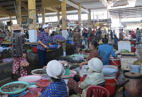 images5308538_2 Chợ Xóm Mới Nha Trang được đầu bếp hàng đầu châu Á yêu thích Tin Tức  Chợ Xóm Mới Chợ Nha Trang