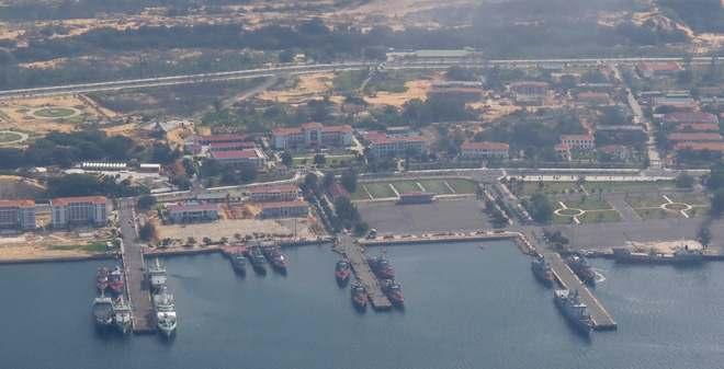 Cang-Cam-Ranh-1 Những Cột Mốc của Quân Cảng Cam Ranh Đia Danh Du Lịch  Quân Cảng Cam Ranh Cảng Cam Ranh