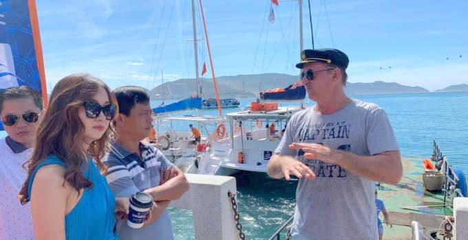 THUYEN-BUOM-680x350 Khảo sát tour thuyền buồm trên vịnh Nha Trang Tin Tức  Tour Thuyền Buồm Tin Tức Du Lịch Thông Tin Du Lịch Du Lịch Nha Trang