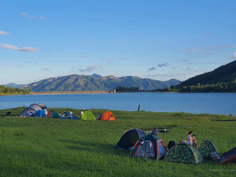 Dép Tổ Ong Địa điểm cắm trại cuối tuần rất gần Nha Trang.