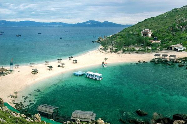 Khánh Hòa - Mở cửa du lịch theo lộ trình phù hợp